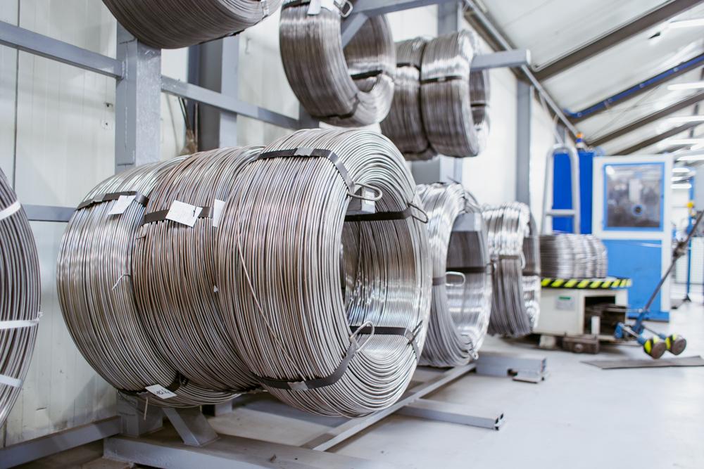 Magazyn podstawowy do gięcia drutu w technologi CNC