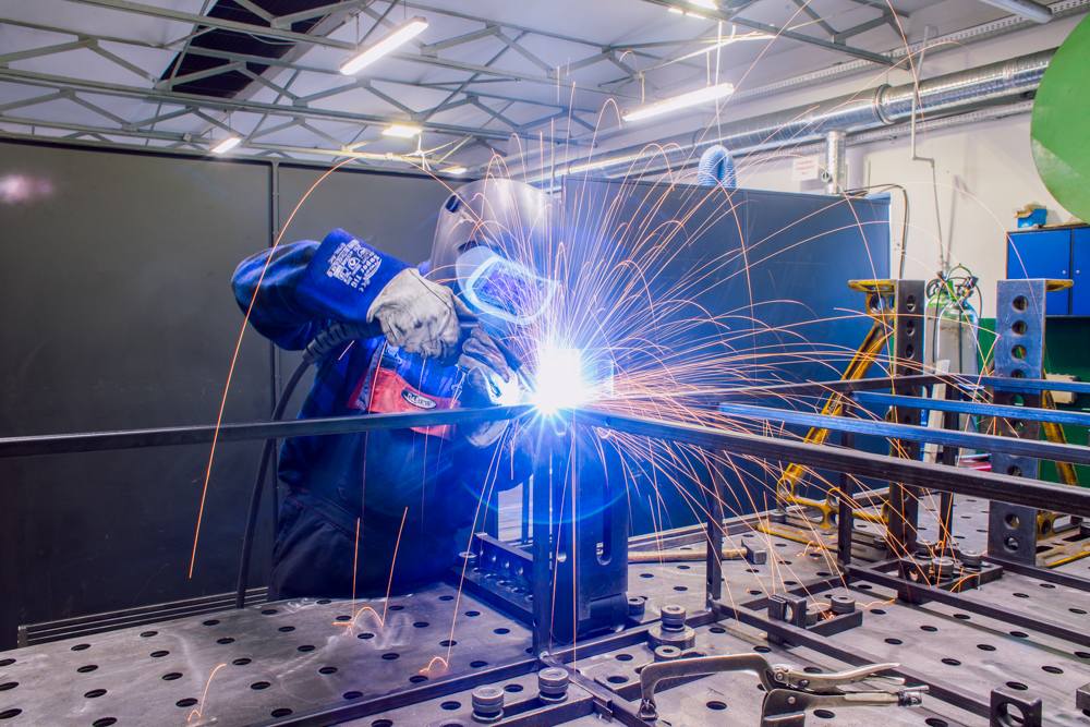 Dabew - Łączenie gazowe konstrukcji metalowych