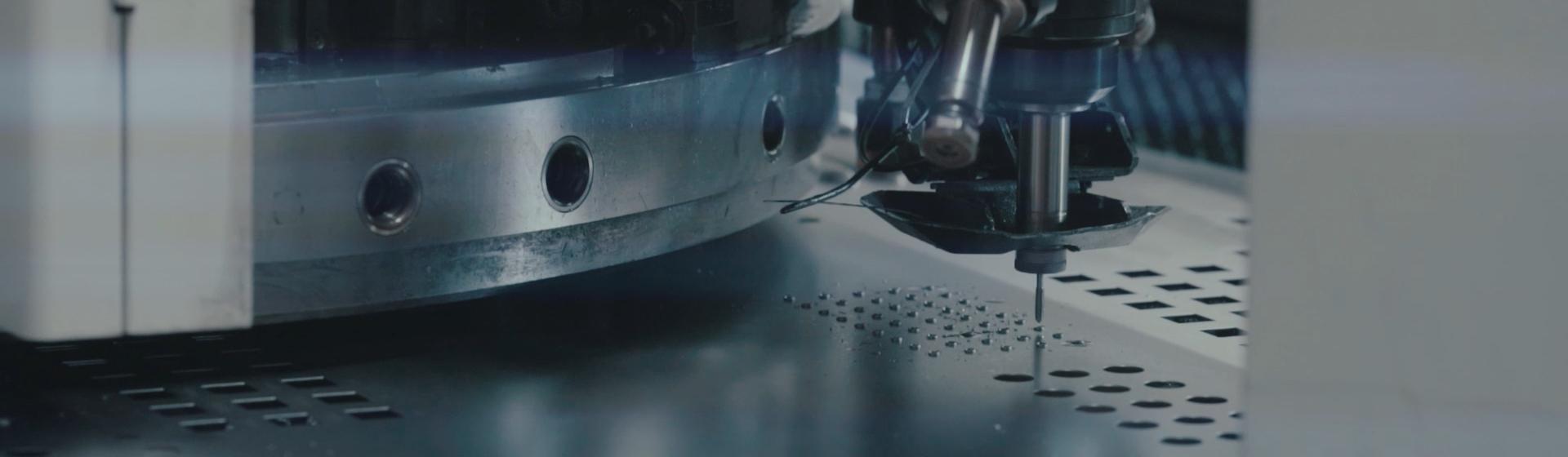 Dabew - Wykrawanie elementów za pomocą maszyny  MURATA CNC